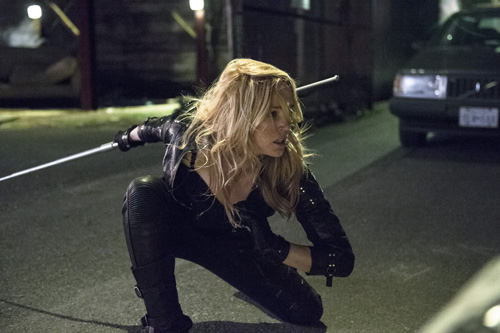 "Caity Lotz as Canary in ""Heir to the Demon"" Photo: Cate Cameron/The CW"