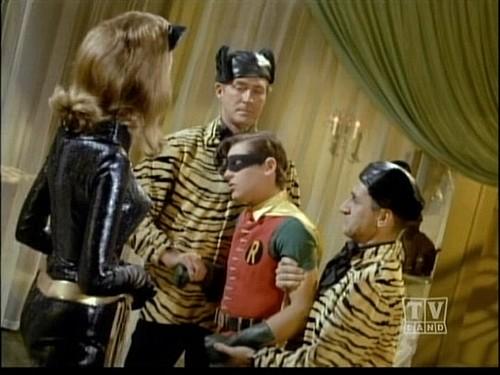 catwoman-henchmen