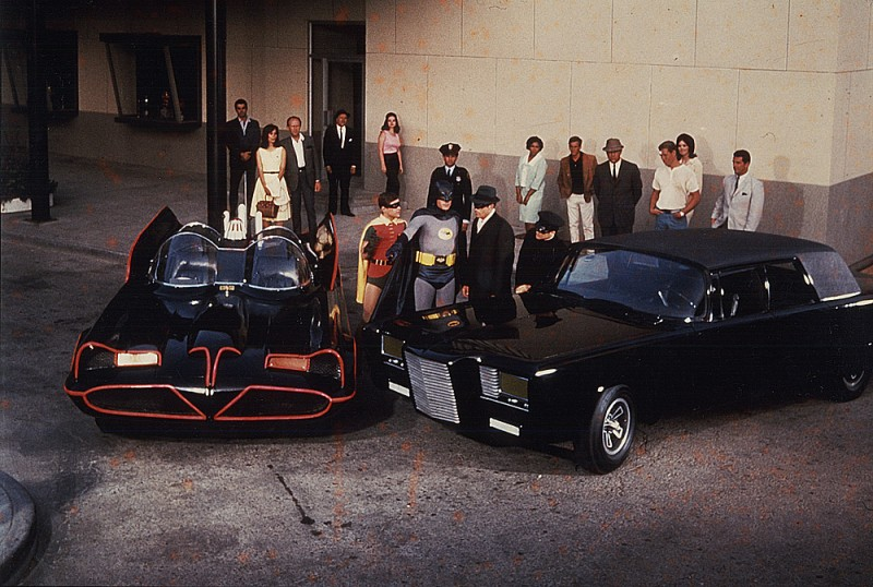 black-beauty-and-batmobile-800x538