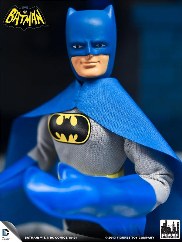 FTC_BatmanS1_Retro_Batman_Chest.1