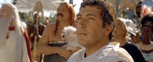 Alain Chabat as Julius Caesar in ASTERIX: MISSION CLEOPATRA (2002)