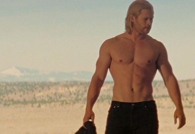 chris-hemsworth-torso-desnudo-escena-thor
