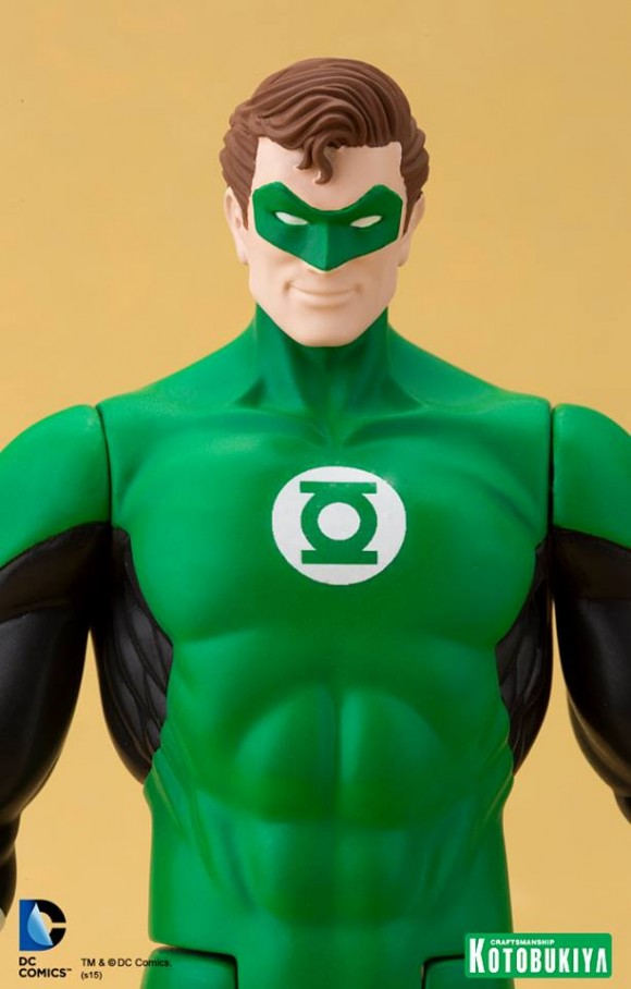 DC-Super-Powers-Green-Lantern-ARTFX-Statue-009