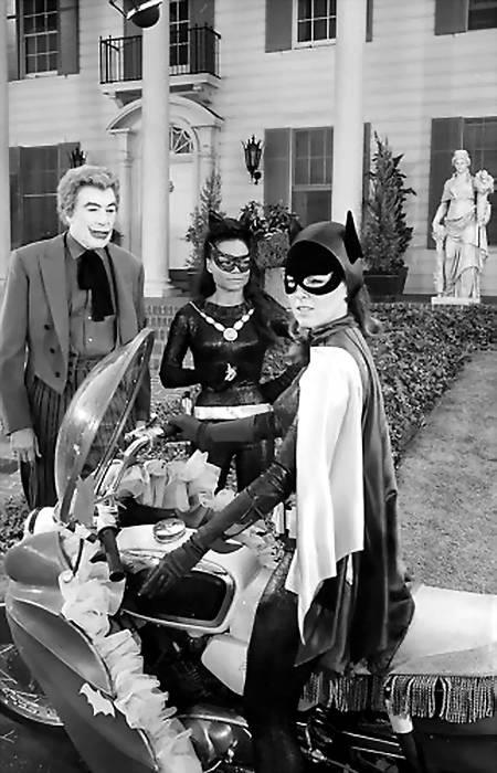 catwoman_earthakitt_joker_batgirl