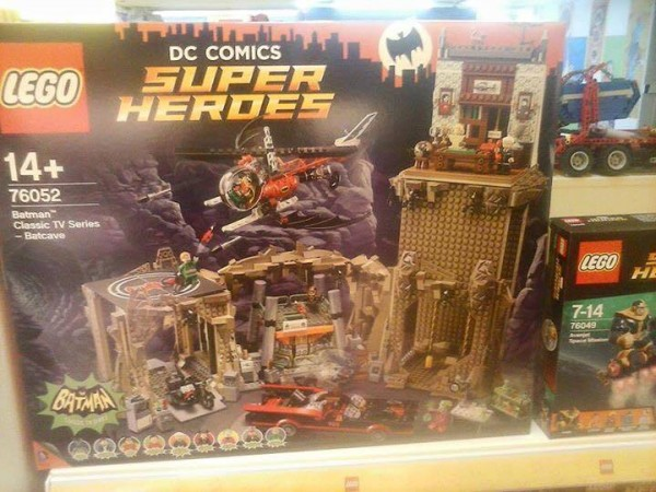 setlego-76052-batman-classicTVseries-LEGODSSUPERHERO-01-600x450