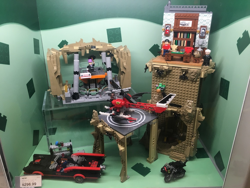 An Up-Close Look at the LEGO BATMAN '66 BATCAVE | 13th Dimension ...