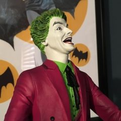 ADVANCE REVIEW: Diamond's 1966 JOKER Statue is Wild