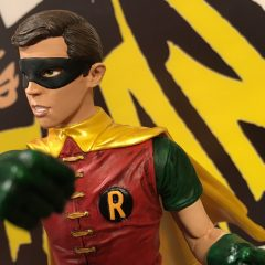 ADVANCE REVIEW: Diamond's 1966 ROBIN Statue is a Knockout
