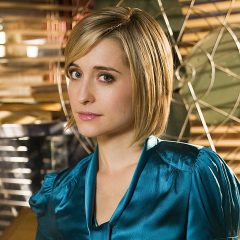 SMALLVILLE's ALLISON MACK Pleads Guilty in Sex-Cult Case