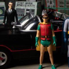 MEZCO's Groovy New BATMAN '66 Deluxe Figures Set is Up For Pre-Sale NOW
