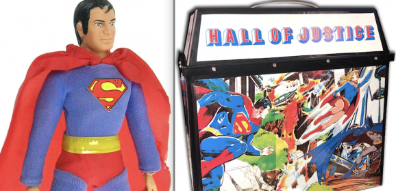 EXCLUSIVE: Classic HALL OF JUSTICE Playset Makes a Comeback
